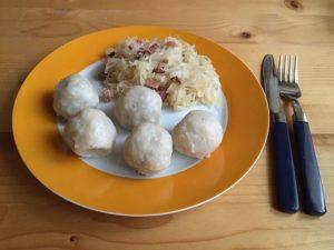 Sauerkraut Knödel